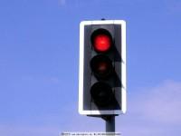 红灯停绿灯行,非要处罚才能遵守吗? 聚侃