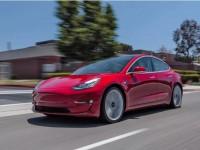 为啥Model 3高性能版让人痴狂?看看歪果仁的试驾|聚译